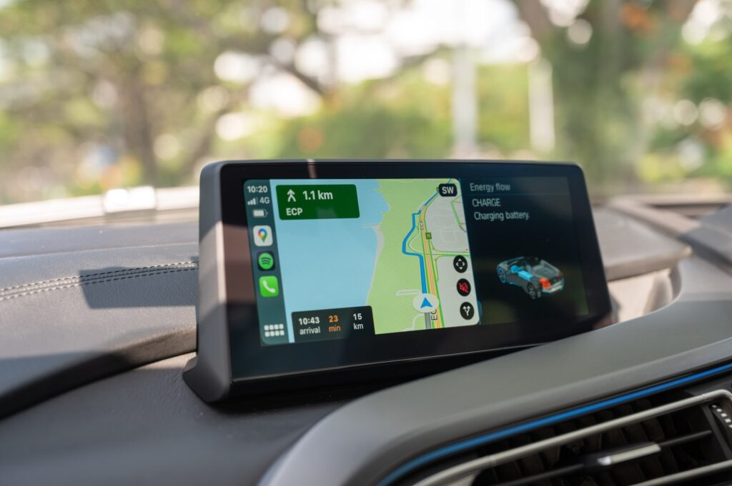 How Are GPS Trackers Powered